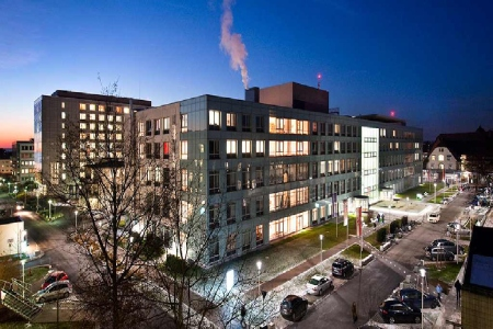 Gebäude Klinikum Nürnberg (Nachts)
